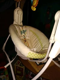 Baby swing New Albany, 47150