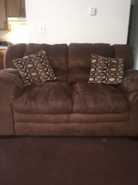 Brown microfiber couch and loveseat set Dayton, 45417