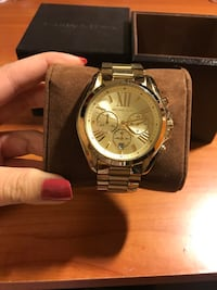 Authentic Michael Kors Bradshaw Oversized in Gold Watch Richmond, V6Y