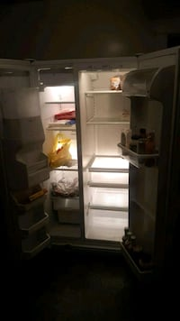 Maytag refrigerator with ice maker and water 278 mi