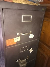 Used filing cabinet  5 drawers ***fire proof*** Very sturdy Philadelphia, 19132