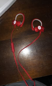 Wireless Powerbeats headphones with case Centreville, 20120