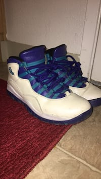 pair of white-and-blue basketball shoes Bay Point, 94565