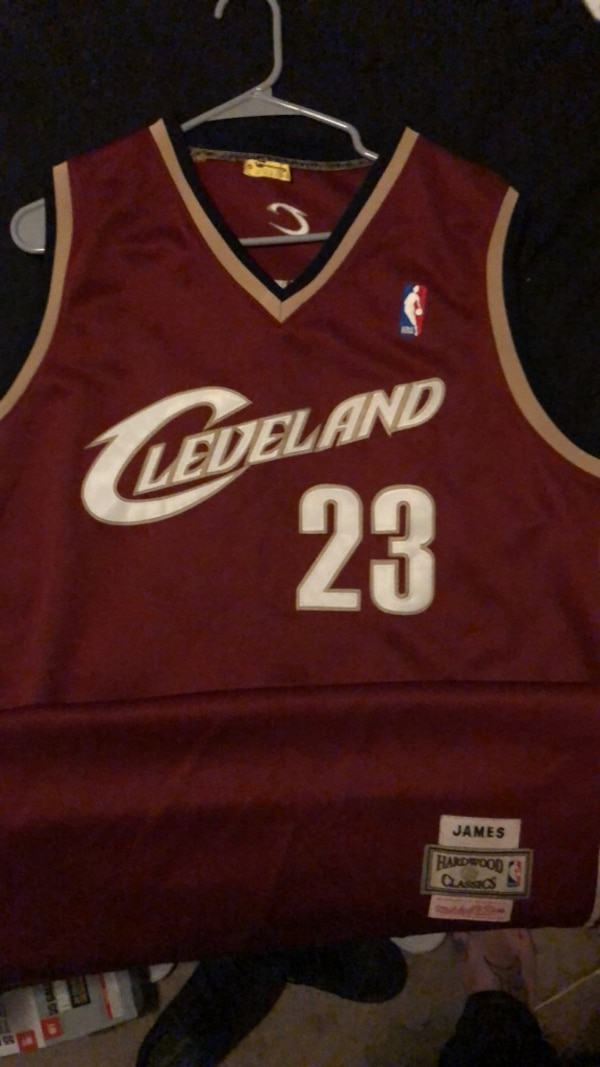 sports shoes 6c989 269bc 2004 played in Lebron james rookie jersey with authentication