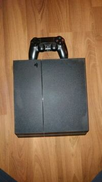 Ps4 (500 gig) and 5 games  Kitchener, N2A