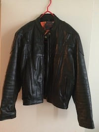 Black leather rider jacket size 44. screaming eagle. vented and pads Repentigny, J6A