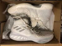 Adidas basketball shoes Kitchener, N2E 4H1