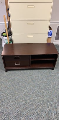 Brown TV Stand with Drawers Arlington, 22207