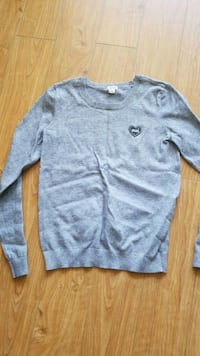 Garage small grey sweater/top