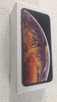 Gold iPhone XS Max 512 gb