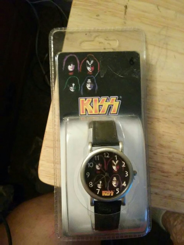 Great Kiss Watch NEW