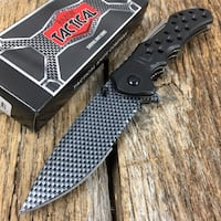 BRAND-NEW, IN THE BOX!  Hunter/Rescue Pocket Knife Shalimar