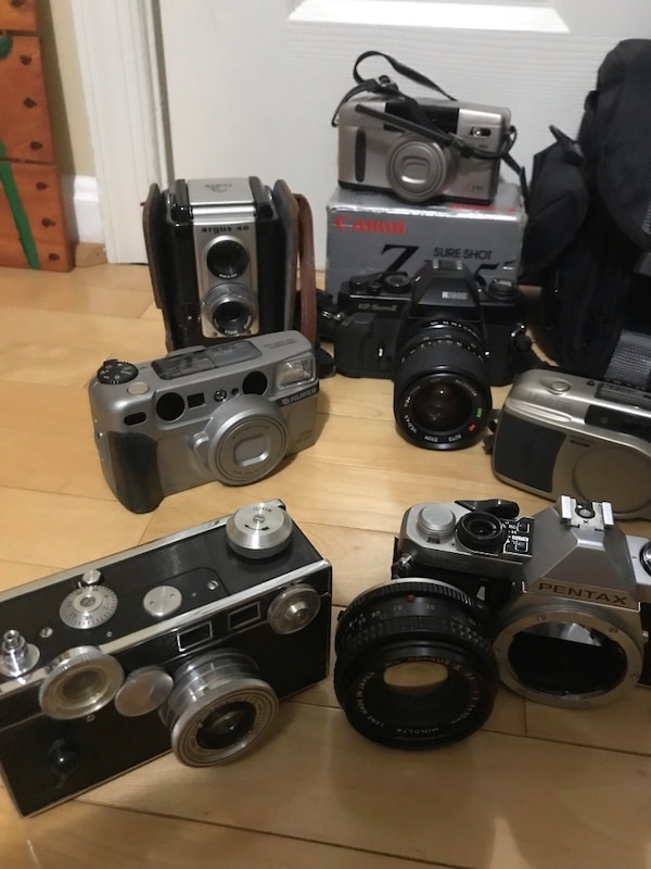 Vintage film cameras in working condition (unless stated otherwise) 2543125c-20dc-47c9-bd50-b75d0ed63ce6