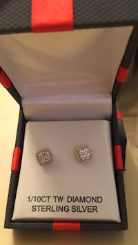 New in Box Diamond sterling earrings Retails for $125 Youngstown, 44514