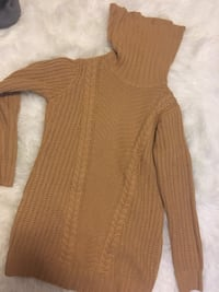 Medium sweater, originally got for 35, great condition  Edmonton, T6W 0Y9