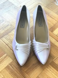 White peep toe pumps / shoes Toronto, M4H 1E3