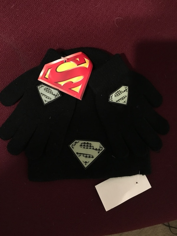 6f2c13d3680 Used Superman beanie and Glove Set for sale in Palmdale - letgo