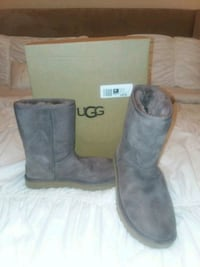 UGG BOOTS, GREY, SIZE 10 Horn Lake, 38637