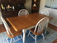 Farm style table with 4 chairs and fold away extension   Columbia, 21045