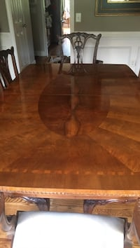 Henredon table with Lineage China cabinet Canton, 30115