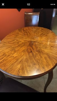 Oval antique table. - no chairs - excellent condition Los Angeles, 90032