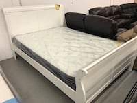 Brand new in box white queen sleigh bed frame warehouse sale  多伦多, M1T