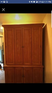 brown wooden 2-door cabinet Charles Town