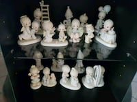white and gray ceramic figurine collection Port Richey, 34668
