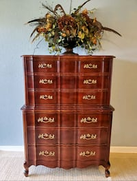 Solid Wood, French Provincial 6 Drawer Chest!