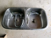 Double sink grey stainless steel with fetus Mississauga, L5N 2B2