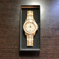 Gold Quartz Watch  Toronto, M6K 3G7