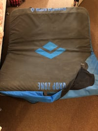 Blue Diamond Bouldering Crash Pad 1701 mi