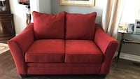 1 year old accent love sofa. Move to big for area in home  Richmond Hill, L4E 0S3