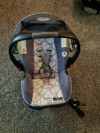 baby's gray and black Graco car seat carrier Laurel, 20723