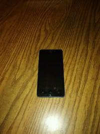 Cell phone for parts,  touch screen not working.  South Milwaukee, 53172