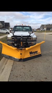 Meyer V-plow 8 1/2' with controller Anna, 45302