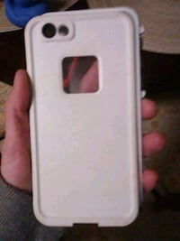 white iPhone 7 with case