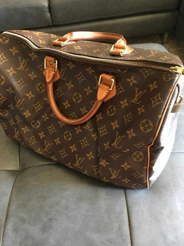 0594e25afe090 Used LV Purse SD3098 bag for sale in Chandler - letgo