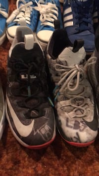pair of gray-and-black Nike basketball shoes Winnipeg, R2J 2S5