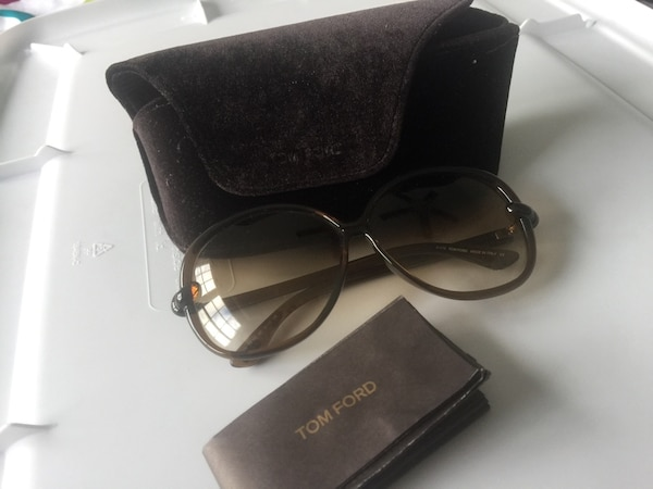 Brown framed Tom Ford sunglasses with case