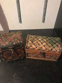 2 decorative boxes