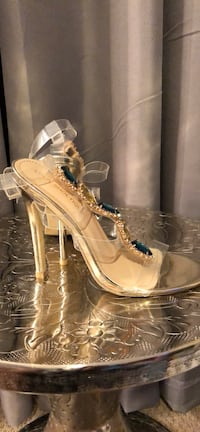 Clear sandals with jewels  Waterbury, 06704