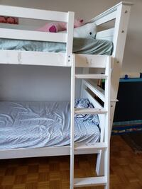 Bunk bed - twin size