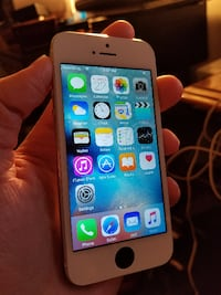 (Like New) Iphone 5 16 GB - Unlocked $135 FIRM