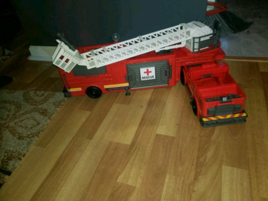 Photo Toys R Us fire engine
