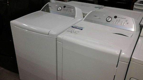 Whirlpool Washer And Dryer Set With A Warranty