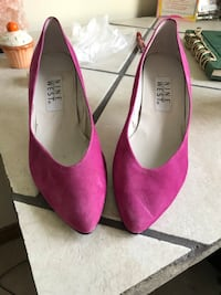 Vintage nine west size 7.5  London, N5X 3G2