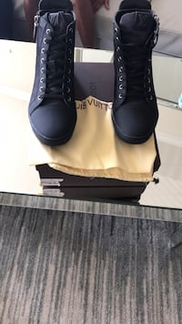Lv sneakers size 10-10.5 brand new  Smiths Station, 36877