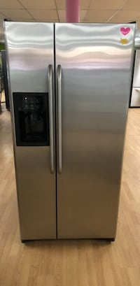 Stainless Steel GE Side by Side Refrigerator  Woodbridge, 22191