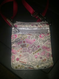 white and pink floral crossbody bag Westbank, V4T 2H2